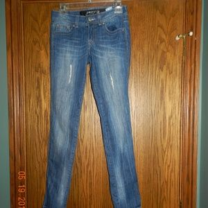 "Women's Grane ""Darcy"" Skinny Blue Jeans"